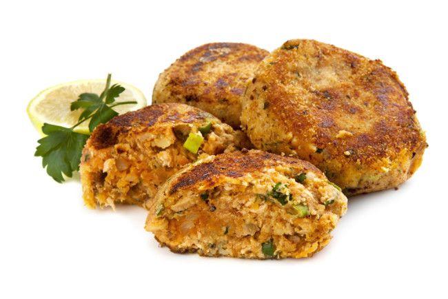 Receta de hamburguesas de salmón. Proteicas rápidas y fáciles http://clubvive100.com/receta-de-hamburguesas-de-salmon/ Club Vive100