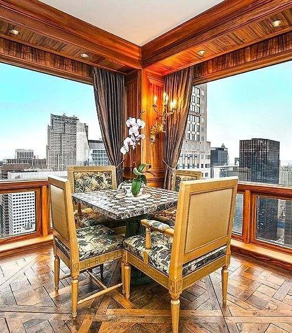 Inside Soccer Star Cristiano Ronaldo S New Trump Tower Apartment New York City Penthouse Celebrity Houses Expensive Houses