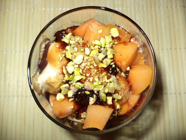 Inghetata Cu Dulceata De Capsune / Ice Cream With Strawberry Jam https://vegansavor.wordpress.com/2015/07/29/inghetata-cu-dulceata-de-capsune-ice-cream-with-strawberry-jam/ #Topoloveni #inghetata #icecream #dulceata de #capsune #strawberry #IceCream #vegan #sweets