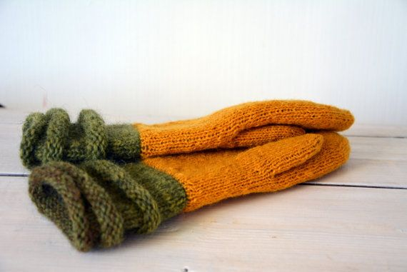 Mustard yellow knit mittens. Hand made by HandiCraftbyJane on Etsy