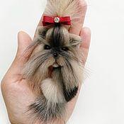 Купить или заказать Брошь собачка шпиц в интернет-магазине на Ярмарке Мастеров. Сделаю похожую собачку Шпица на заказ ! :) Брошка авторская, сделана из натурального меха и замши (обратная сторона броши), крепится на основу для броши Размер украшения 8 см Легкая, мягкая, приятная на ощупь и очень милая собачка,станет прекрасным подарком, подарив своей любящей хозяйке много теплых и положительных эмоций . Отлично подойдет для любительницы необычных украшений .