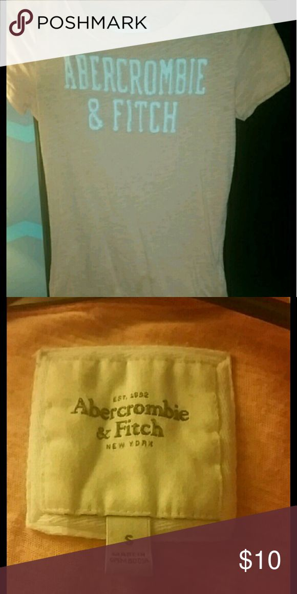 Abercrombie shirt Size small hardly worn light orange Abercrombie and Fitch tshirt, like new Abercrombie & Fitch Tops Tees - Short Sleeve