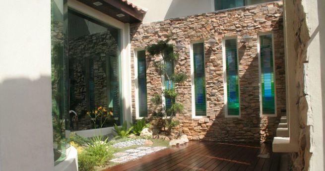 Si estás pensando en revestir con piedra un muro de tu jardín o de tu terraza pero no sabes qué piedras escoger, toma buena nota de las recomendaciones que