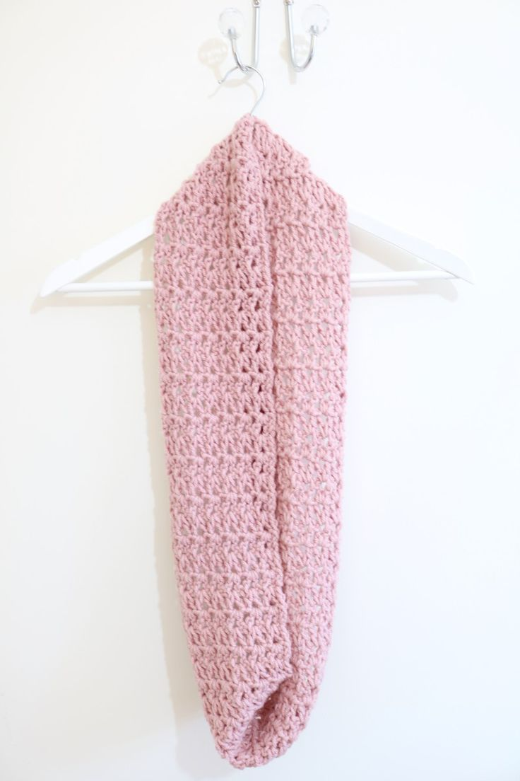 EASY Infinity scarf tutorial | Crochet | Bella Coco