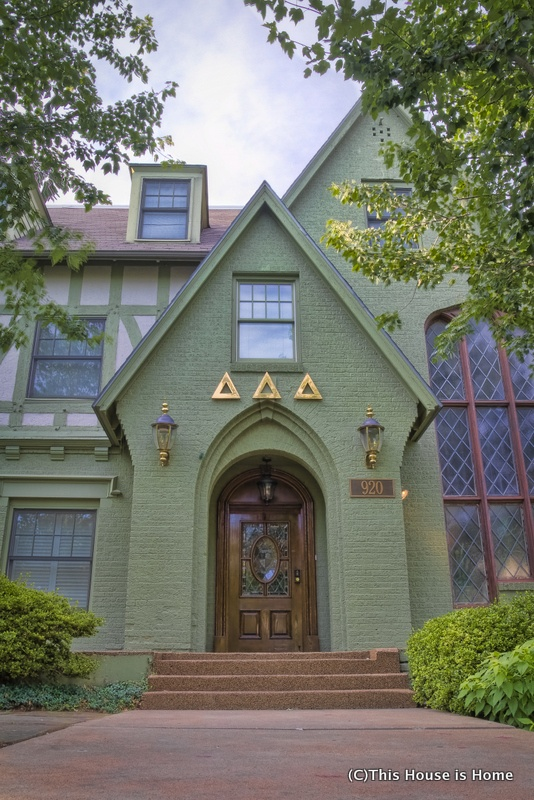 The Delta Iota chapter of Delta Delta Delta at the University of Arkansas (Entrance)