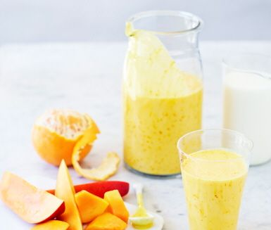 Smoothie på indiska skulle man kunna säga om vår Mango surprise. Kryddig saffran ger mangon en spännande kick och mixas snabbt ihop till ett krämigt mellanmål.