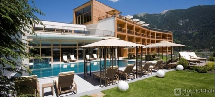 L'Hotel Das Kronthaler è collocato ad #Achenkirch, sul lago di Achen. Tutte le camere e le suite dell'hotel sono dotate di connessione internet Wi-Fi gratuita, cassaforte, minibar, TV e bagno privato. https://www.hotelsclick.com/alberghi/austria/achenkirch-am-achensee/141940/hotel-das-kronthaler.html