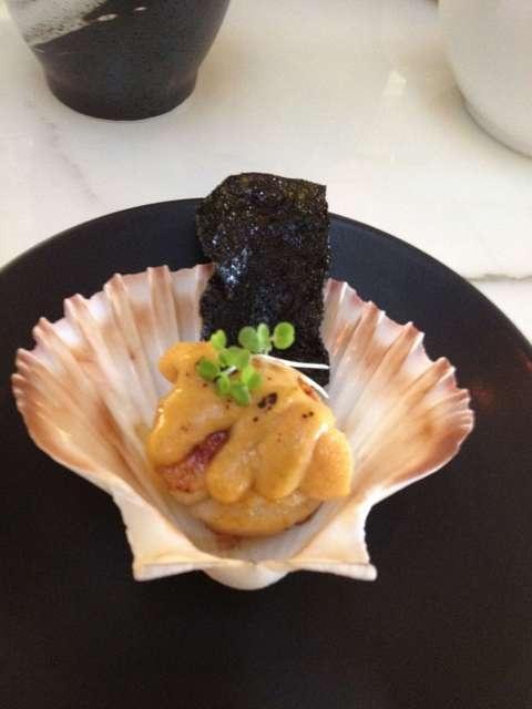 Grilled Curry Salted Hotate & Sea Urchin at Akachochin #swpromenade #melbourne #japanese #izakaya