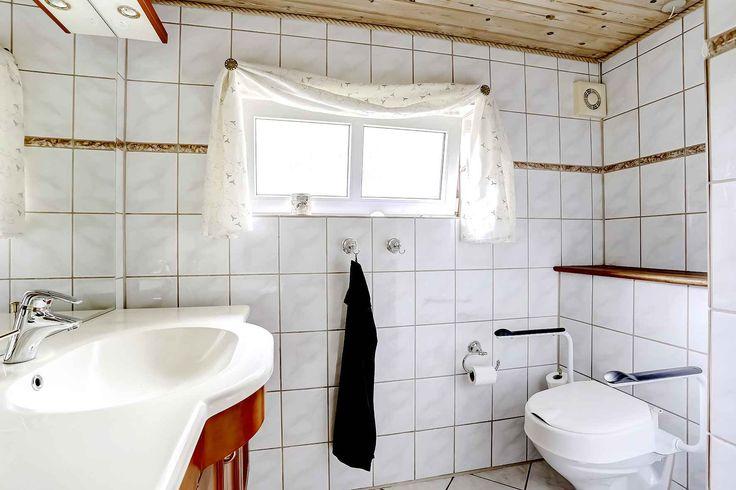Badeværelse (Toilet og håndvask)