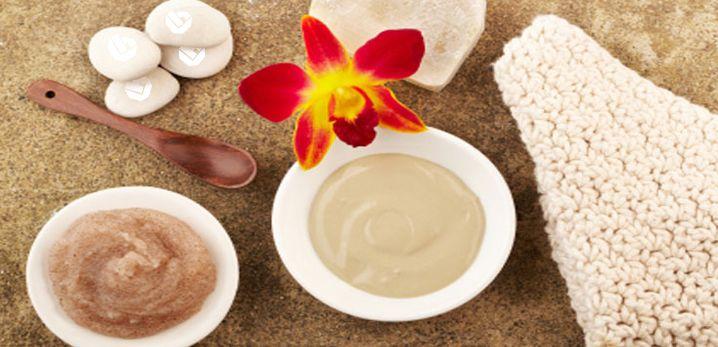 Af en toe scrubben is goed voor de huid. Trek je keukenkastjes eens open, daar vind je allerlei ingrediënten voor deze soorten scrubs!