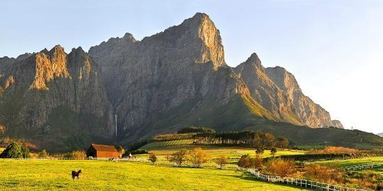Franschhoek Wine Valley mountains