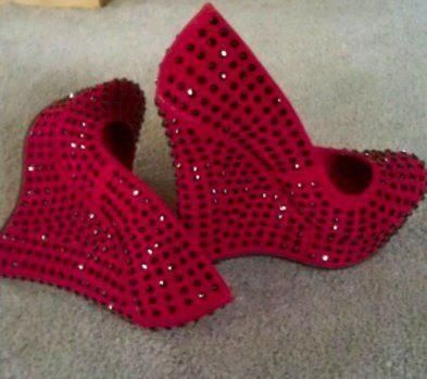 Sparkly Red Wedges
