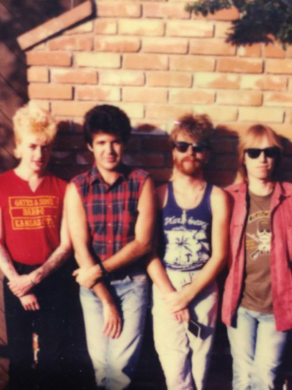 "♬''' Photo by Clem Burke on Twitter: ""Brian Setzer ,Me, Dave Stewart, Tom Petty ... :) ...'''♬ https://mobile.twitter.com/clem_burke/status/696963534299623424"