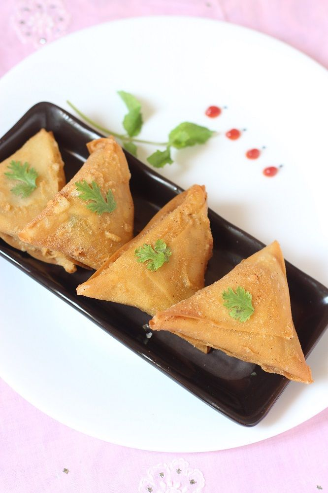 Meat Keema Samosa recipe, how to make lamb samosa recipe. Delicious keema samosas recipe which are really crisp on the outside and filled with keema masala.