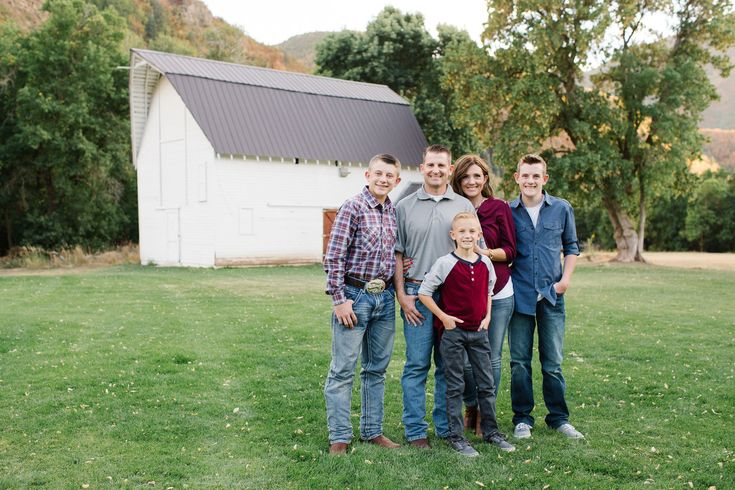 Jamie Tervort Photography   Marrott Family   Hobble Creek Canyon, Utah   Family Photography   Fall Family picture ideas   family of five poses   fall outfit colors   white barn   Jolley Ranch