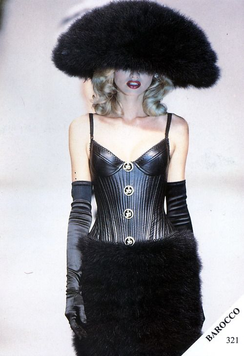 Adriana Sklenarikova - Rocco Barocco couture - #lexeecouture