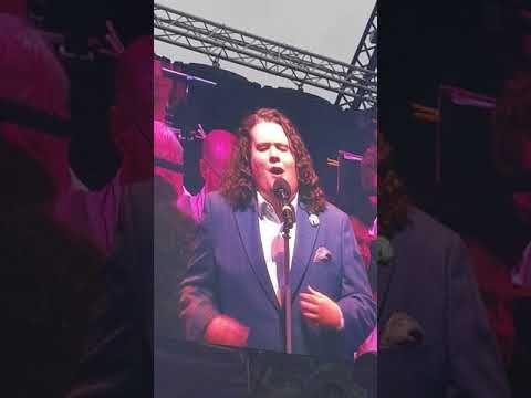 Che Gelida Manina   Live at Rochester Castle   Jonathan Antoine - YouTube