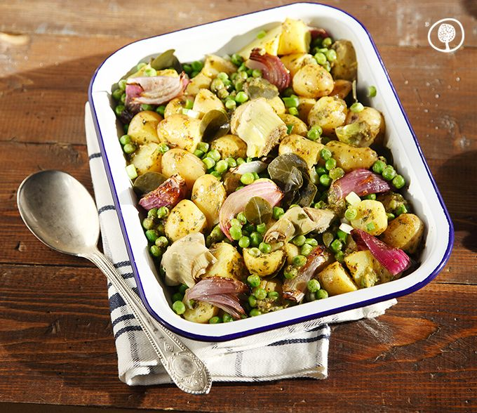 Thursday Recipe: Prepare a piquant potato salad with caper leaves, artichoke hearts and a fragrant mustard sauce! https://www.yolenis.com/13891/warm_potato_salad_with_caper_leaves_and_mustard_sauce #yolenistaste #recipes