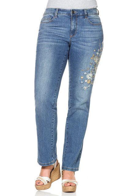 #Джинсы-стрейч #sheego Цена 3199 руб Джинсы — неотъемлемая составляющая современного женского гардероба! Продвинутым модницам мы рекомендуем купить джинсы для женщин от sheego Style в нашем интернет-магазине одежды! 5 карманов, притачной пояс с петлями для ремня, застежка-молния и пуговица подчеркивают классическую непринужденность джинсового стиля модели. Купить  http://shop.webdiz.com.ua/goods/dzhinsy-strejch-sheego/