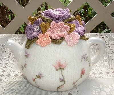 OMG!! I'm gonna have to but a teapot and make one of these! delicate sweet