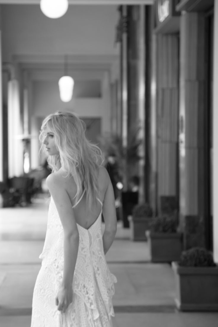 Ethereal and airy bridal fashion! Anem Collections. Dreamy bridal fashion in an amazing styleshooting in the city in the heart of Athens! Amazing bridal creations and beautiful brides! Gorgeous wedding photography! www.anemcollections.gr