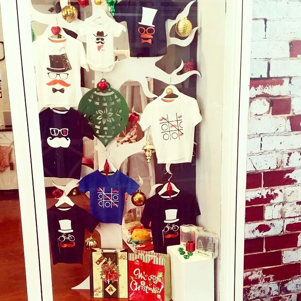 What a gorgeous window display featuring our #MÔMES tees and onesies over @lamourkids  So cool and great place for your Xmas shopping guys! I'm certain this marvelous boutique will have everything you need!!❤️❤️❤️ #stockist#Perth#Australia#Momes#tees#onesies#rompers#tshirts#organic#handcrafted#boutique#wholesale#windowdisplay