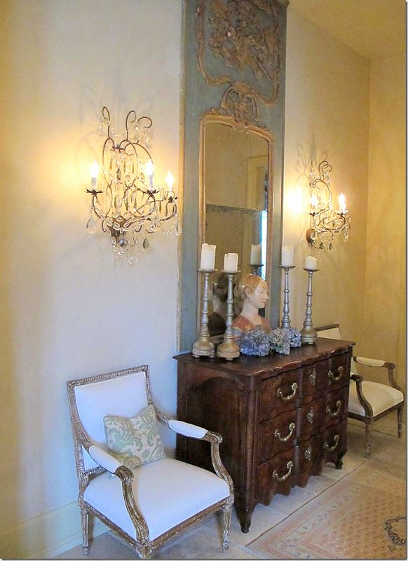 French Decor Buffet And Side Chairs