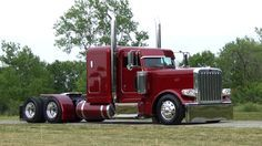 2013 Peterbilt 389 from 10-4 Magazine