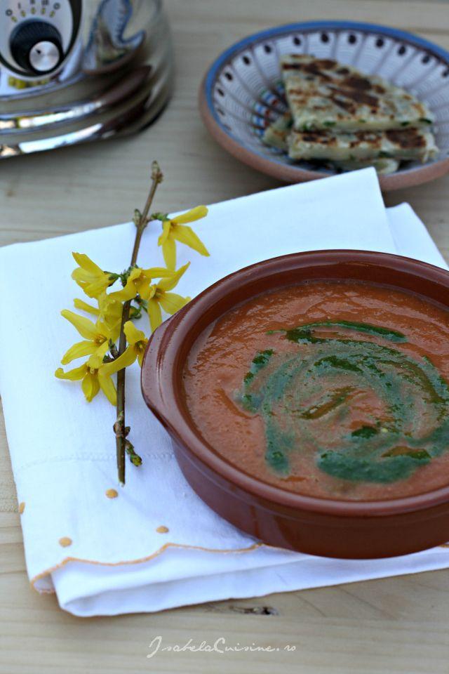 Supa-crema de rosii coapte si pesto de patrunjel
