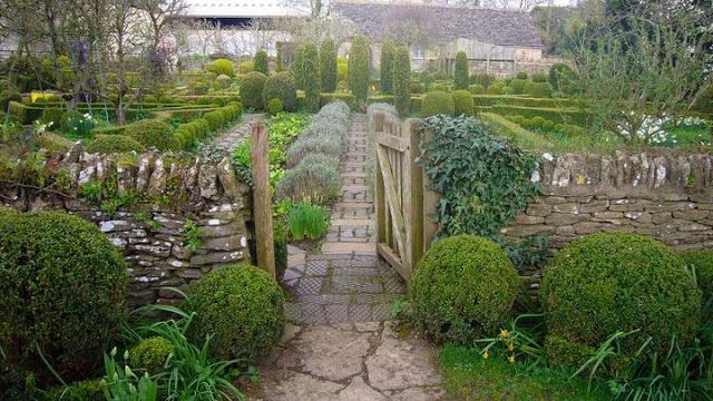Principales 25 ideas incre bles sobre jardines barnsley en for Ver gris potager