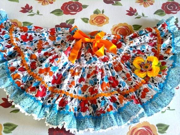 Saia rodada floral para ser usada o ano todo, mas pode ser indicada para Festa Junina. É de tricoline, muito rodada. Linda ! R$80,00