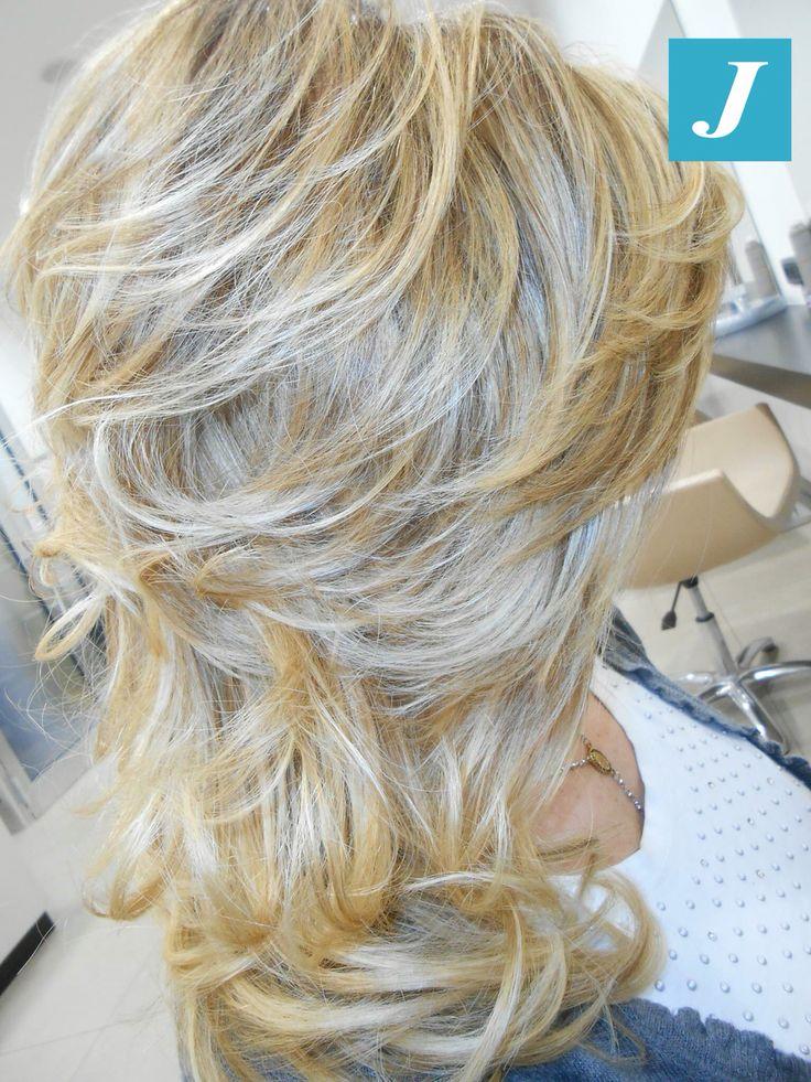 Capelli biondi e sani non stressati dall'uso del decolorante. Il Degradé Joelle fa la differenza. #cdj #degradejoelle #tagliopuntearia #degradé #igers #musthave #hair #hairstyle #haircolour #haircut #longhair #ootd #hairfashion