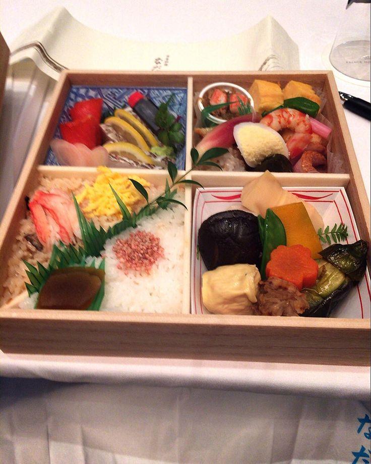 [なだ万パレスホテル]. . おいしいお弁当ありがとうございます by grandpaisjusaname
