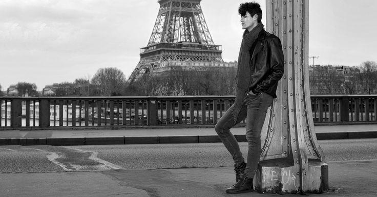 VO7 Newton Leather Dark: le rétro et l'élégance dans une paire de montantes. #vo7shoes #vo7 #blacknwhite #photographie #Paris #TourEiffel #PontdePassy #fashion #rétro #mode #homme #sneakers