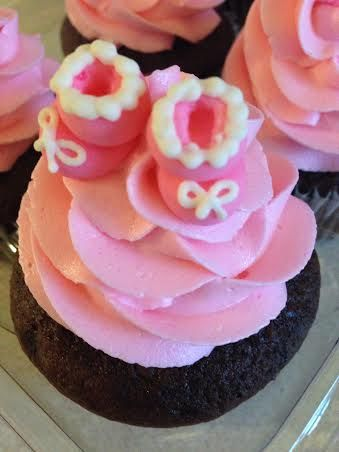 Girl baby shower cupcake