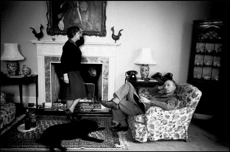 Magnum Photos Photographer Portfolio - SCOTLAND. Lanark. Sir Alec-Douglas Home, the Prime Minister, and Lady Douglas-Home. 1964.