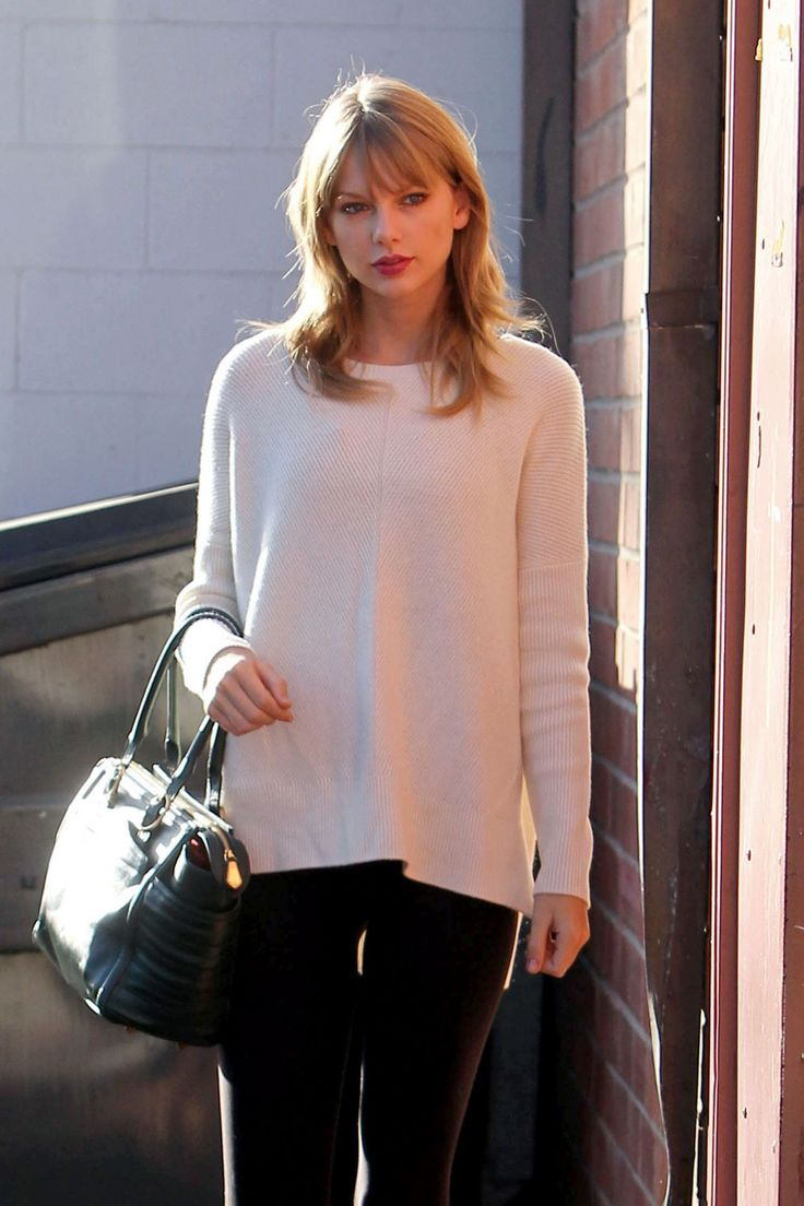 Taylor Swift Street Style - Arriving to a Dance Studio in LA, Taylor Swift latest photos