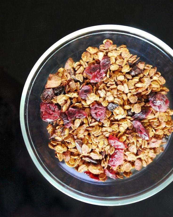 γκρανόλα με τζίντζερ και άρωμα λεμονιού http://www.pandespani.com/syntages/granola-ginger/