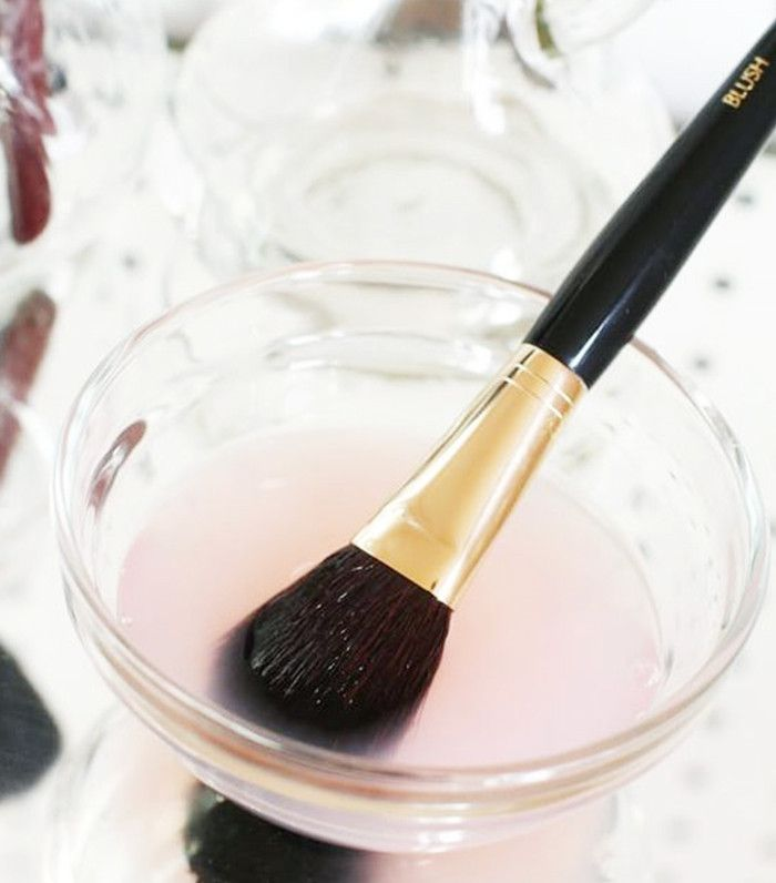 Looking for the best DIY makeup brush cleaners? Click here for our tried-and-tested reviews of Pinterest's best brush cleaner recipes.