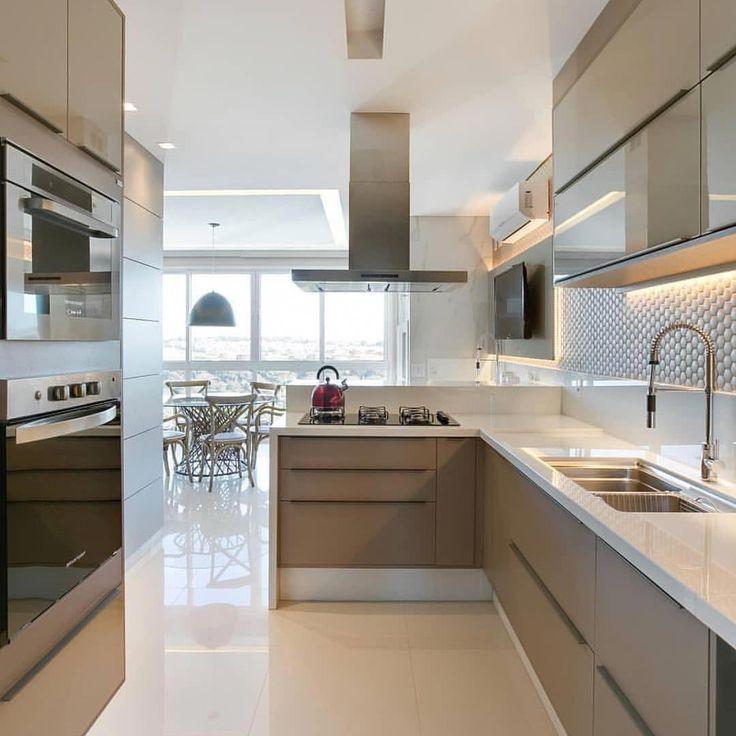 Cozinha maravilhoso por Jeana Arquitetura. Sigam também @casaclassica_ #CozinhaAmericana