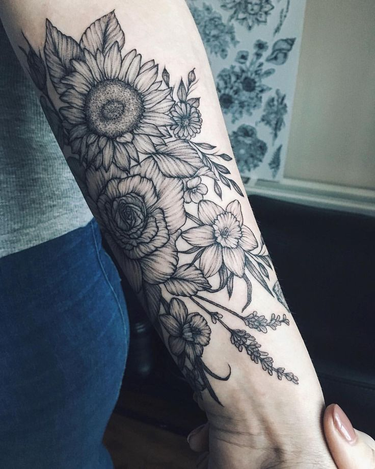 "1,391 Likes, 7 Comments - Yaana Gyach • tattoo artist (@yg.tattooing) on Instagram: ""sunflower, rose, daffodils, lavender  for Cathy  ✖️yg.tattooing@gmail.com • • • #ygtattooing…"""