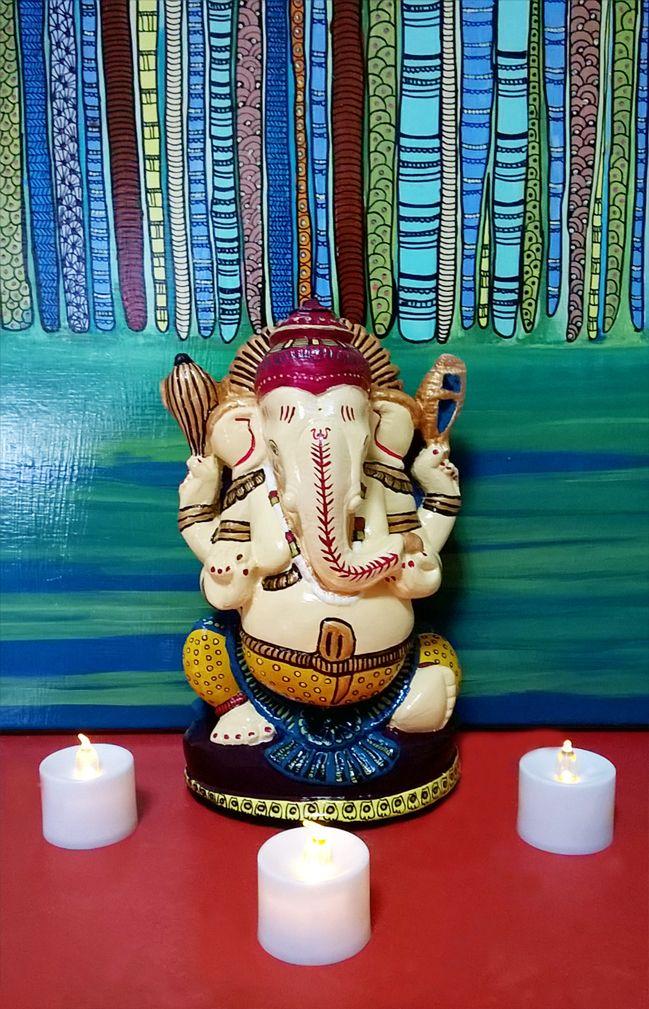 Dios Ganesha de yeso.