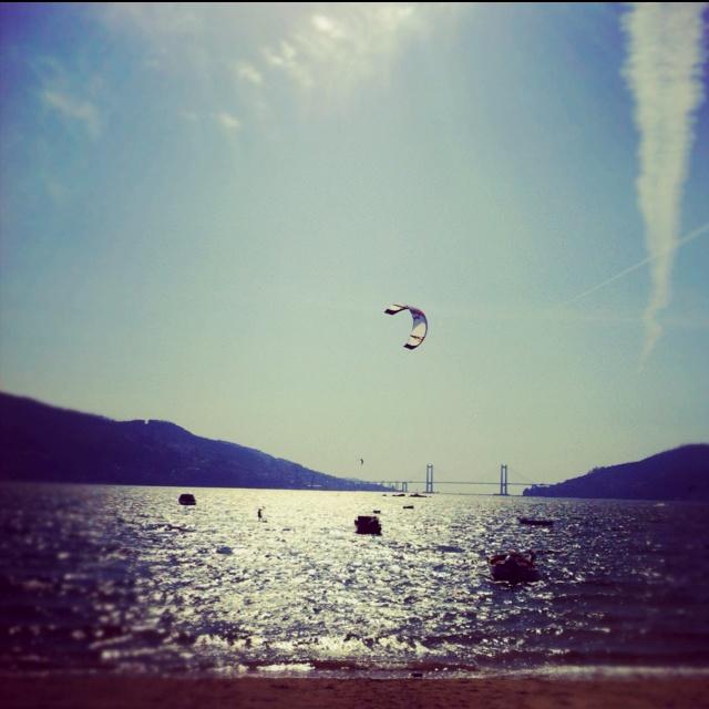Skysurf desde la playa de Cesantes #antolin #augenblickpin