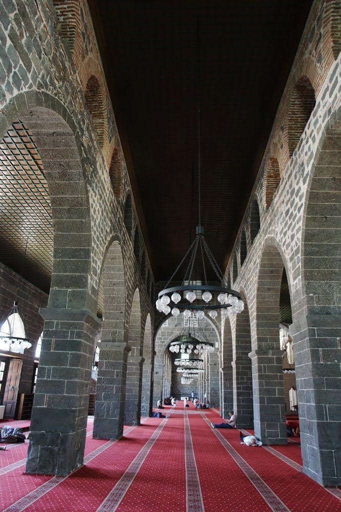 Ulu mosque inside Diyarbakir / Turkey.
