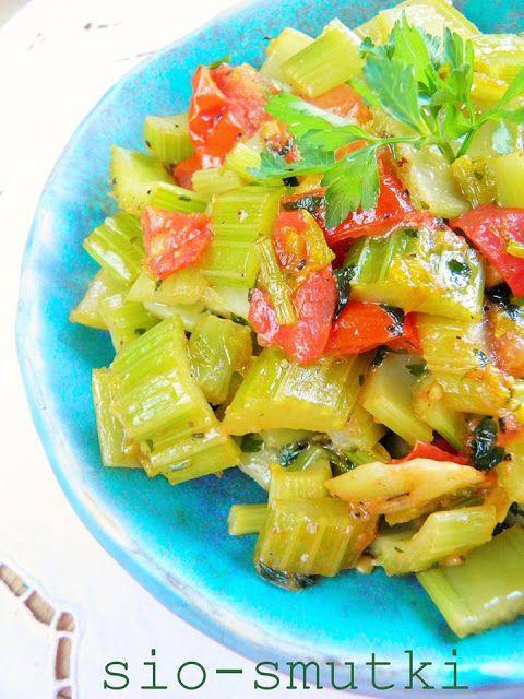 Sio-smutki: Seler naciowy duszony z pomidorami