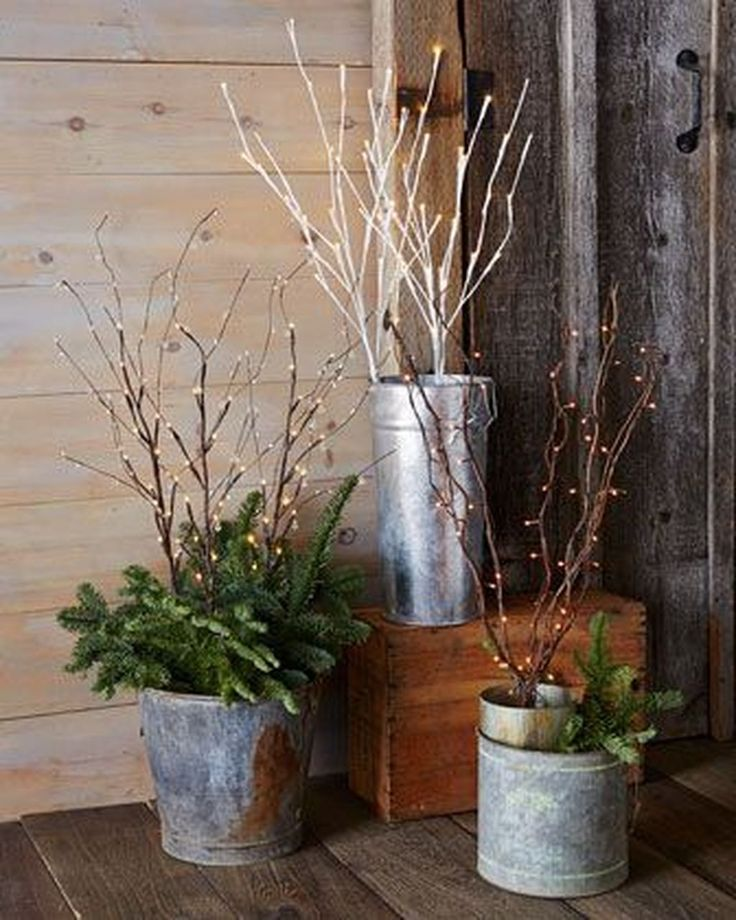 Cool 41 Best Country Winter Decoration Ideas. More at https://50homedesign.com/2018/01/04/41-best-country-winter-decoration-ideas/