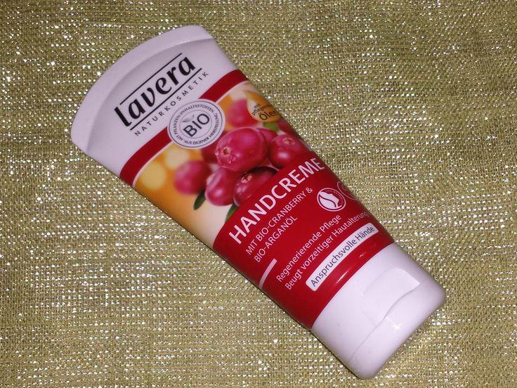 Regenerierende Anti-Age Handcreme – Bio-Cranberry & Bio-Arganöl. Anti-Age Handcreme: Die Handcreme verspricht eine Anti-Age Wirkung durch Förderung der Zellregeneration. Enthalten sind Sh…