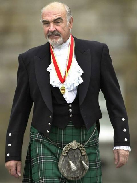 Sean Connery...oh he knows how to rock that kilt! Old man fettish coming to the fore!