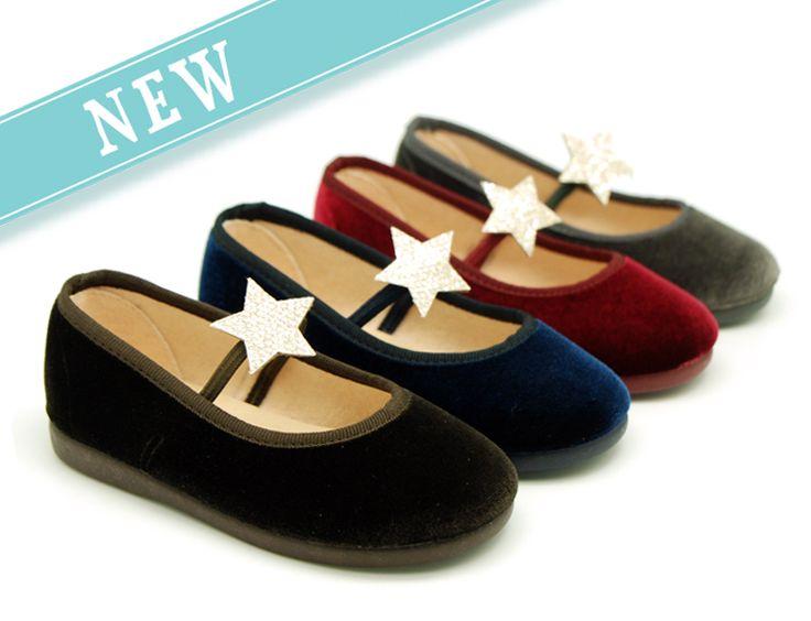 Tienda online de calzado infantil Okaaspain. Bailarinas con terciopelo con estrella. Calidad al mejor precio hecho en España.