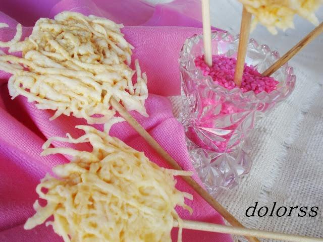 Piruletas de queso (Microondas)